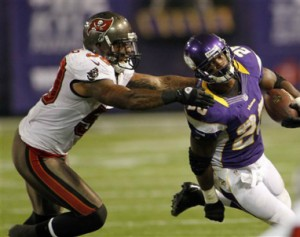 Tampa_Bay_Bucs_Defense_2012