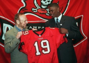 Buccaneers_keyshawn_johnson_2013