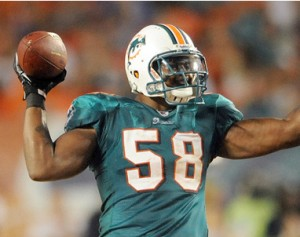 Dolphins_Karlos_Dansby_2013