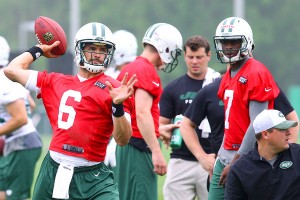 Jets-Quarterbacks_Mark_Sanchez_Geno_Smith_2013