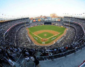 NHL_Yankee_Stadium_2013