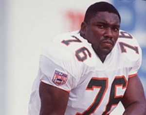 Hurricanes_Warren_Sapp_2013