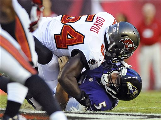 Bucs LB Lavonte David sacks QB Joe Flacco