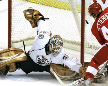 Oilers_Jeff_Deslauriers_2013