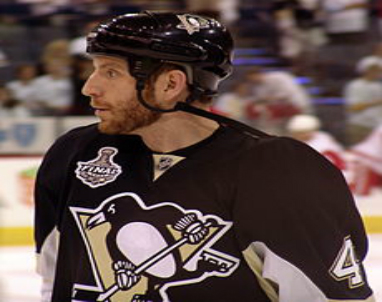 Penguins_Rob_Scuderi_2013