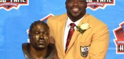 Warren Sapp will be inducted into the Bucs Ring of Honor and pick up his Hall of Fame ring.