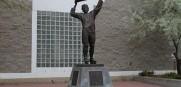Wayne_Gretzsky_Statue