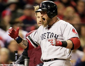 Jonny Gomes helps Red Sox even the Word Series at 2 games each. Gomes drove in 3 of the Sox 4 runs