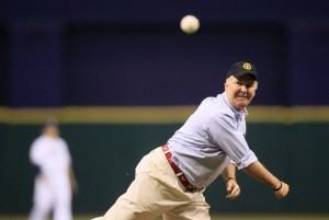 Is Tampa Mayor Bob Buckhorn ready to make a pich to move the Rays to Tampa?