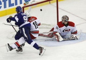 Steven Stamkos scores against Carolina en route to a 3-0 road win