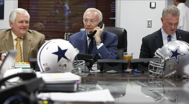 Cowboys_Stephen_Jerry_Jones_2013