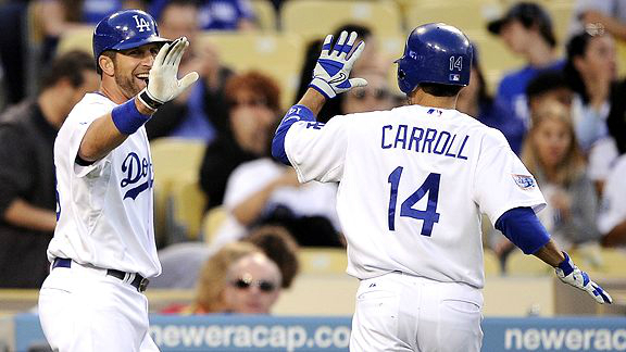 Dodgers_Jamey_Carroll_2013