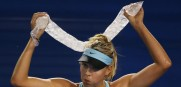 Maria Sharapova finds a creative way to stay cool as temp break 100 degrees for the fourthday day in a row