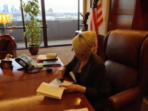 Arizona Gov. Brewer Vetoes Controversial Bill