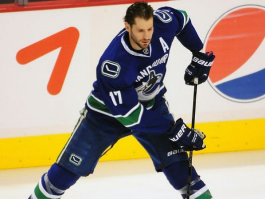 Kesler_Canucks_2014
