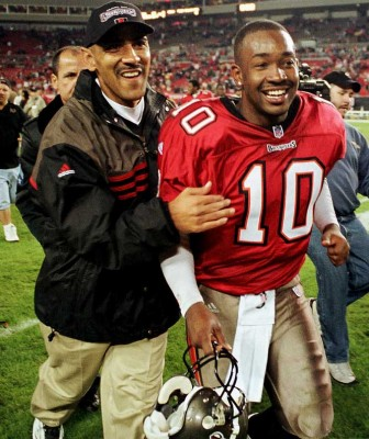 buccaneers-tony-dungy-shaun-king