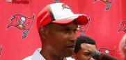 Tampa Bay Buccaneers defensive coordinator Leslie Frazier