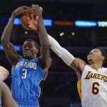 Magic Center Dewayne Dedmon Injures His Foot