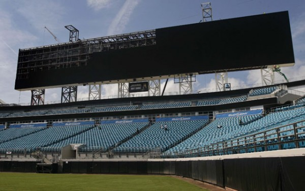 Jaguars Unveil Stadium's New Video Boards To Fans