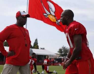 Bucs_training-camp-382x302