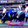 GIF: Steven Hauschka Has An Odd Warm Up Routine