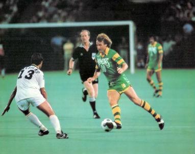 Johan Neeskens (13) Rodney Marsh (10) Tampa Bay Rowdies at New York Cosmos
