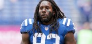 Colts LB Erik Walden attacked by ex-girlfriend with a knife