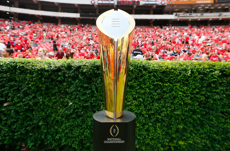 """Cotton Bowl: Wisconsin Badgers square up against undefeated Western Michigan Broncos"""""""