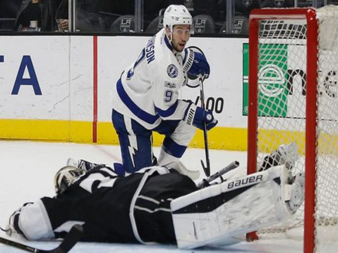 Lightning, minus Hedman, opens critical road trip with win over Kings